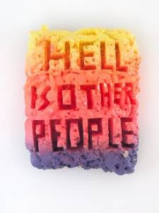 "Renschin, René: ""Hell is other People"", 2012, 40 x 32 x 11,5 cm, Bauschaum, Acryllack auf Styropor, Preis: 280 EUR"